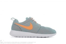 Wmns Rosherun Jade by Nike