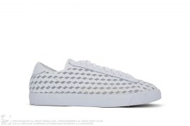 Tennis Classic AC Woven by Nike