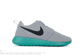 Nike Roshe One by Nike