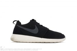 mens shoes Roshe One by Nike