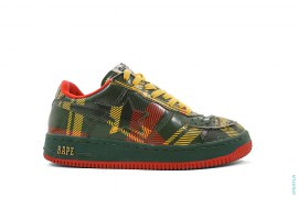 Isetan Plaid Bapesta Low-Top Sneakers by A Bathing Ape